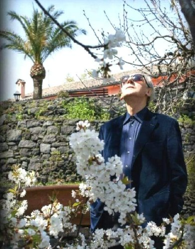 https://www.ragusanews.com//immagini_articoli/22-03-2020/i-75-anni-di-franco-battiato-e-la-nostra-solitudine-500.jpg