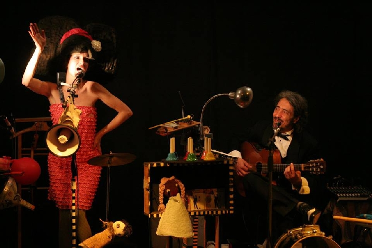 https://www.ragusanews.com//immagini_articoli/22-04-2014/weird-festival-dal-25-al-27-aprile-a-ragusa-500.jpg