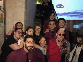 https://www.ragusanews.com//immagini_articoli/22-04-2018/malgioglio-cena-ragusa-ciuffo-cotonato-240.jpg