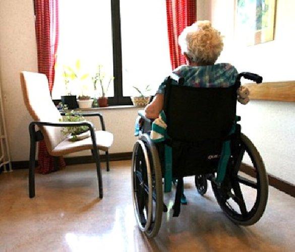 https://www.ragusanews.com//immagini_articoli/22-04-2019/chiusa-a-modica-una-casa-di-riposo-abusiva-per-anziani-500.jpg