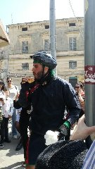 https://www.ragusanews.com//immagini_articoli/22-04-2019/da-pisa-a-scicli-in-bici-per-amore-240.jpg