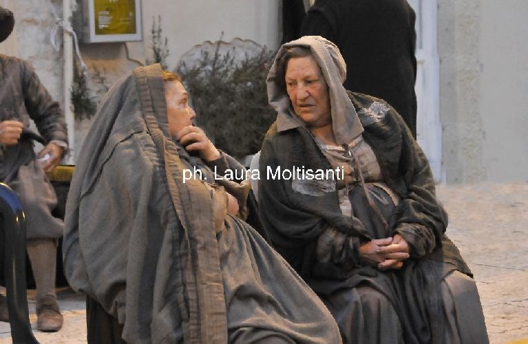 https://www.ragusanews.com//immagini_articoli/22-05-2014/la-regina-la-scena-caravaggesca-di-matteo-garrone-500.jpg