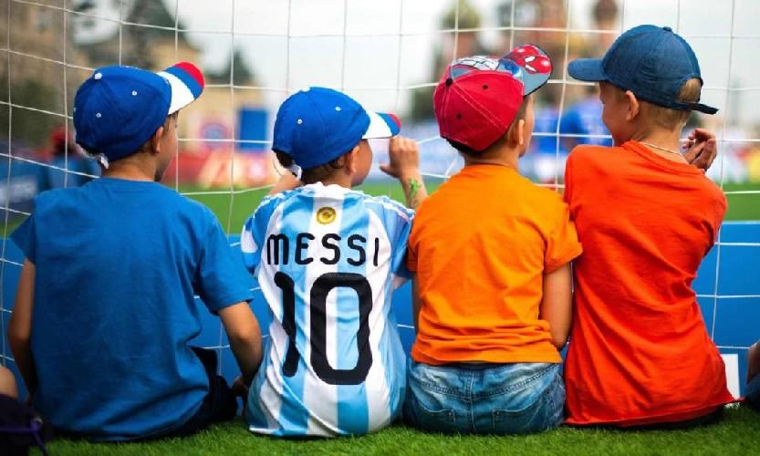 https://www.ragusanews.com//immagini_articoli/22-06-2020/perche-il-calcio-appassiona-i-popoli-la-storia-dello-sport-piu-famoso-di-s-500.jpg
