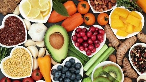 https://www.ragusanews.com//immagini_articoli/22-06-2021/dieta-la-frutta-per-abbassare-il-colesterolo-280.jpg