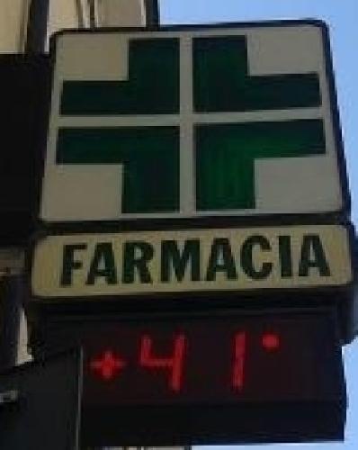 http://www.ragusanews.com//immagini_articoli/22-07-2015/40-gradi-a-ragusa-diluvia-a-giarratana-500.jpg