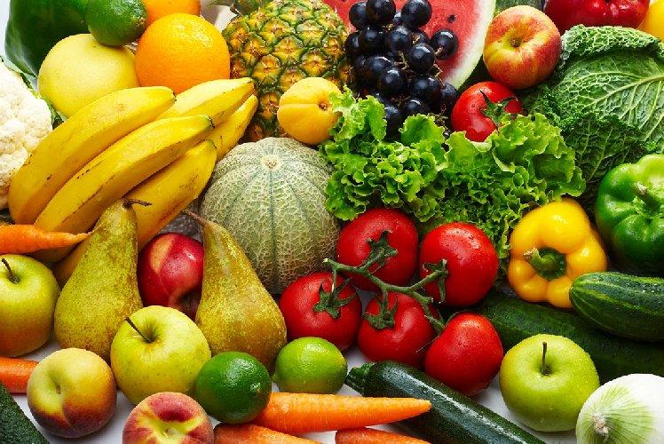 https://www.ragusanews.com//immagini_articoli/22-07-2019/dieta-estiva-cosa-mangiare-con-il-caldo-500.jpg