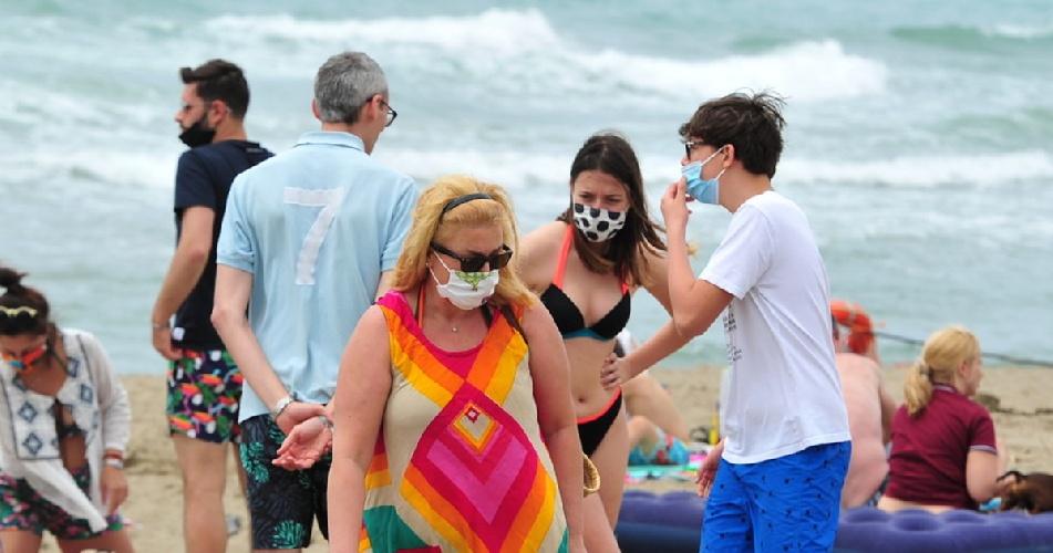https://www.ragusanews.com//immagini_articoli/22-07-2021/773-positivi-covid-a-ragusa-il-virus-fa-boom-500.jpg