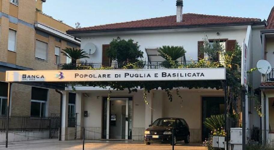 https://www.ragusanews.com//immagini_articoli/22-08-2020/rapinano-banca-a-frosinone-arrestati-due-residenti-nel-ragusano-500.jpg