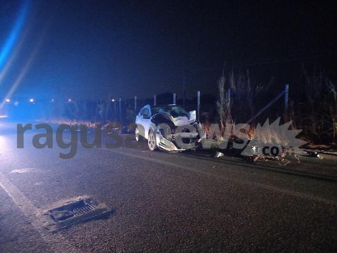 https://www.ragusanews.com//immagini_articoli/22-08-2021/incidenti-moto-contro-auto-gravi-due-giovani-nel-ragusano-500.jpg