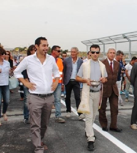 https://www.ragusanews.com//immagini_articoli/22-09-2014/riaperto-il-ponte-guerrieri-500.jpg