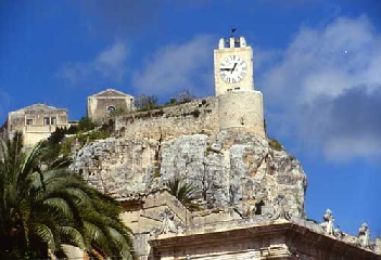http://www.ragusanews.com//immagini_articoli/22-09-2017/riapre-castello-conti-modica-240.jpg