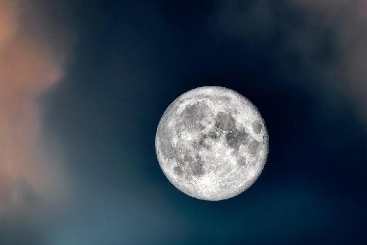 https://www.ragusanews.com//immagini_articoli/22-09-2021/come-perdere-peso-con-la-dieta-della-luna-500.jpg