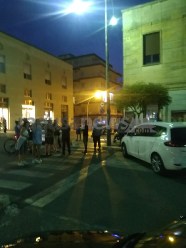 https://www.ragusanews.com//immagini_articoli/22-09-2021/uomo-per-per-strada-in-pieno-centro-a-ragusa-500.jpg