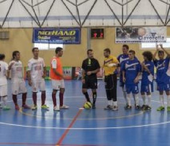 https://www.ragusanews.com//immagini_articoli/22-10-2014/calcio-a-5-scicli-pareggia-col-rosolini-500.jpg