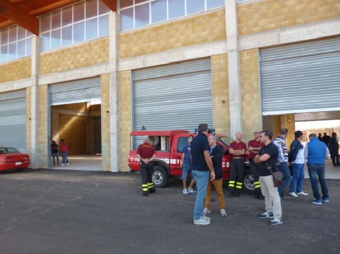 http://www.ragusanews.com//immagini_articoli/22-10-2014/consegnata-la-nuova-caserma-dei-pompieri-500.jpg