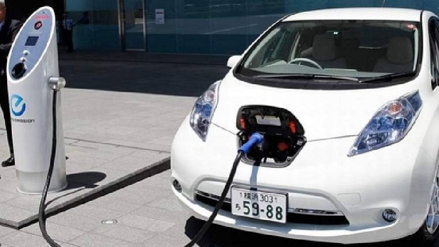 https://www.ragusanews.com//immagini_articoli/22-10-2014/ragusa-invasa-da-auto-elettriche-500.jpg