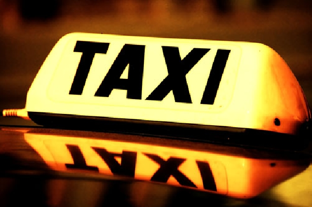 https://www.ragusanews.com//immagini_articoli/22-10-2016/a-modica-le-licenze-dei-taxi-420.jpg