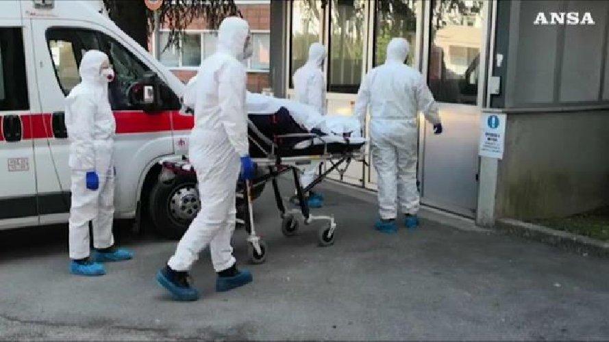 https://www.ragusanews.com//immagini_articoli/22-10-2020/covid-796-nuovi-contagi-in-sicilia-500.jpg