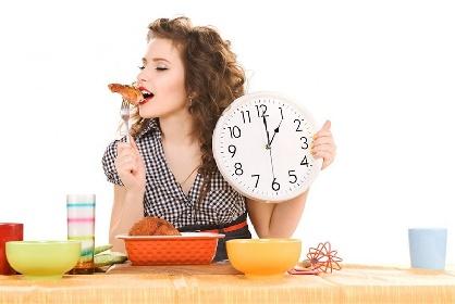 https://www.ragusanews.com//immagini_articoli/22-10-2021/dieta-del-digiuno-serale-il-menu-per-perdere-peso-280.jpg