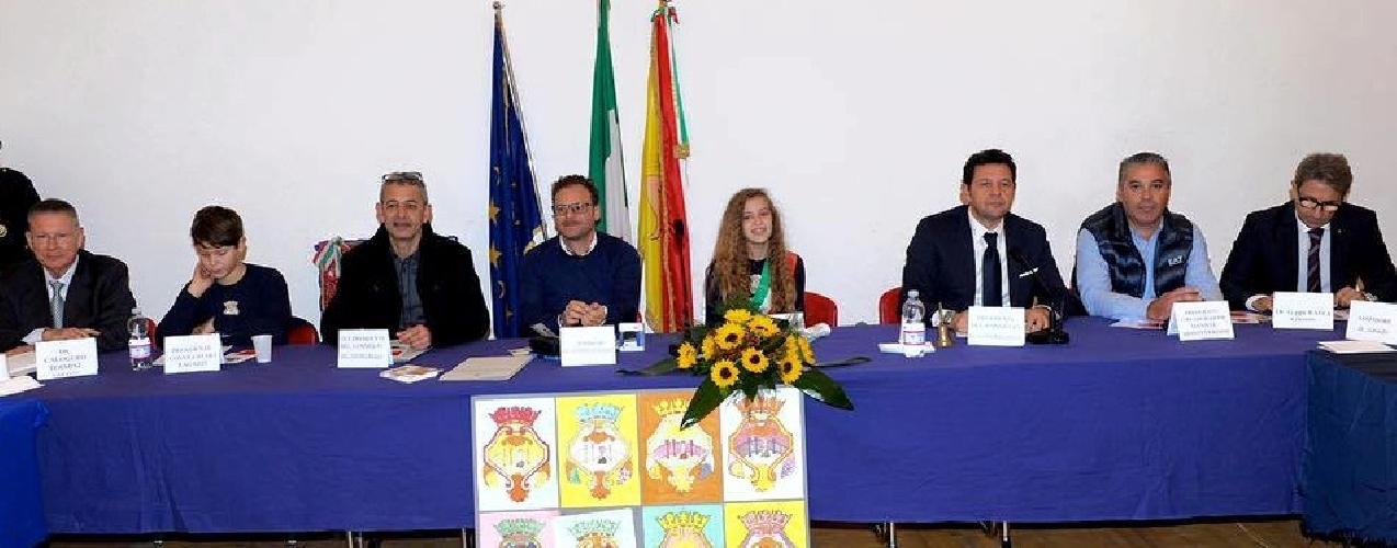 http://www.ragusanews.com//immagini_articoli/22-11-2015/i-diritti-dell-infanzia-a-comiso-500.jpg