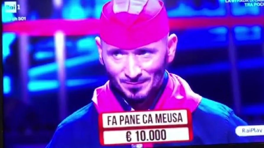 https://www.ragusanews.com//immagini_articoli/22-11-2017/nino-ballerino-panino-meusa-soliti-ignoti-500.jpg