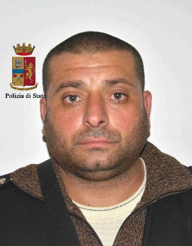 http://www.ragusanews.com//immagini_articoli/22-11-2017/refurtiva-casa-arrestato-rumeno-sorvegliato-speciale-500.jpg