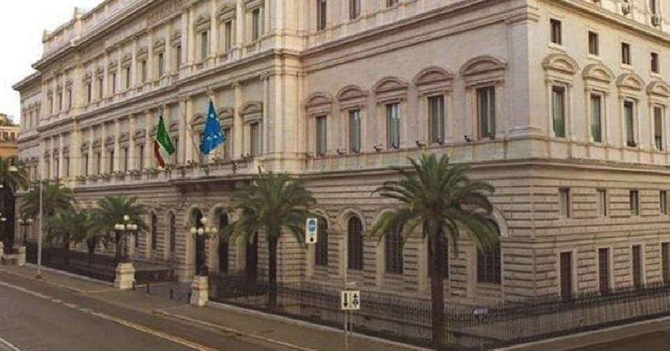 https://www.ragusanews.com//immagini_articoli/22-11-2018/bankitalia-2018-economia-siciliana-rafforzata-500.jpg