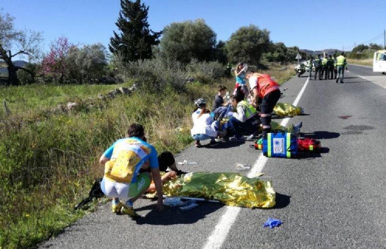 https://www.ragusanews.com//immagini_articoli/22-11-2018/ciclisti-investiti-feriti-porte-vittoria-video-500.jpg