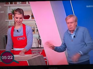 https://www.ragusanews.com//immagini_articoli/22-11-2019/da-chiaramonte-a-la-prova-cuoco-michela-moriconi-in-tv-240.jpg