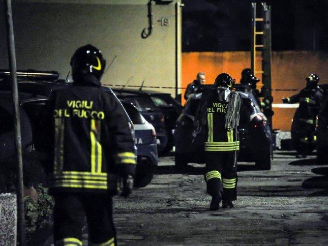 https://www.ragusanews.com//immagini_articoli/22-11-2019/incendio-in-un-villino-sui-navigli-morti-due-fidanzati-500.jpg