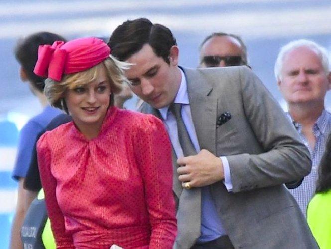 https://www.ragusanews.com//immagini_articoli/22-11-2020/equot;the-crown-4equot;-storia-carlo-diana-infuriare-reali-inglesi-500.jpg