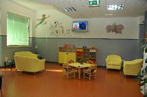 http://www.ragusanews.com//immagini_articoli/22-12-2016/vittoria-inaugurati-i-nuovi-reparti-di-pediatria-e-ginecologia-200.jpg