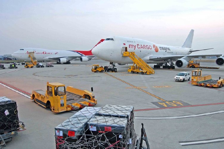 https://www.ragusanews.com//immagini_articoli/22-12-2018/cargo-aeroporto-comiso-arriva-milione-500.jpg