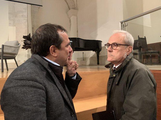 https://www.ragusanews.com//immagini_articoli/22-12-2019/francesco-merlo-i-siciliani-popolo-afflitto-da-eccesso-di-identita-500.jpg