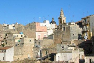 https://www.ragusanews.com//immagini_articoli/22-12-2019/ragusa-chi-ristruttura-in-centro-storico-non-paga-le-tasse-240.jpg