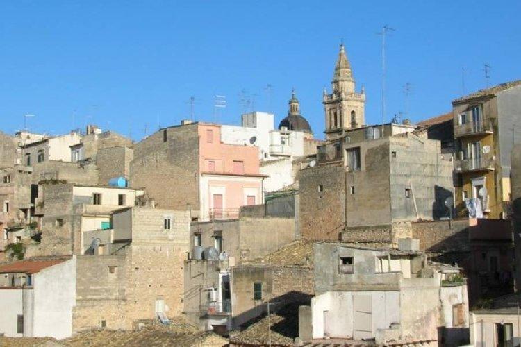 https://www.ragusanews.com//immagini_articoli/22-12-2019/ragusa-chi-ristruttura-in-centro-storico-non-paga-le-tasse-500.jpg