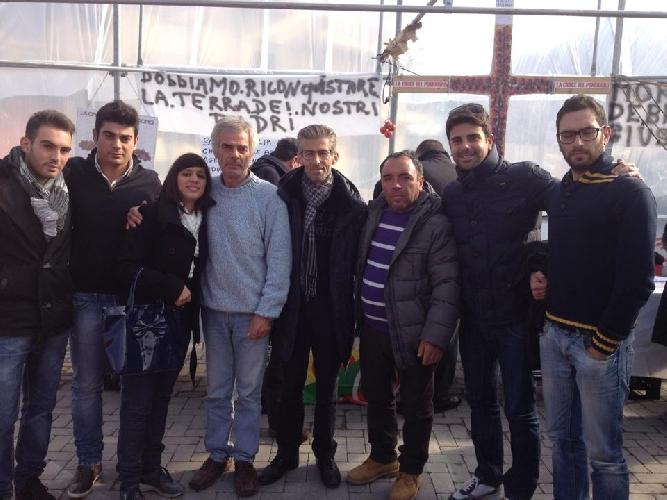 https://www.ragusanews.com//immagini_articoli/23-01-2014/altragricoltura-protesta-davanti-al-parlamento-europeo-500.jpg