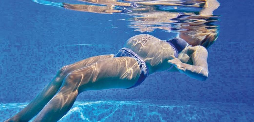 http://www.ragusanews.com//immagini_articoli/23-01-2014/gravidanza-in-piscina-tantissimi-benefici-500.jpg