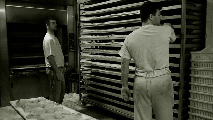 http://www.ragusanews.com//immagini_articoli/23-01-2014/il-lavoro-nero-nei-panifici-di-ragusa-500.jpg