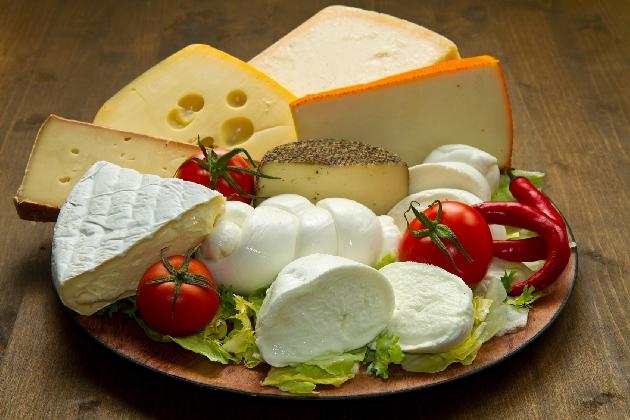 https://www.ragusanews.com//immagini_articoli/23-01-2017/formaggi-aprile-obbligo-origine-prodotto-etichetta-420.jpg
