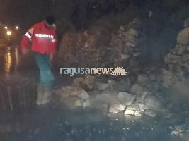https://www.ragusanews.com//immagini_articoli/23-01-2017/giarratana-frana-video-200.jpg