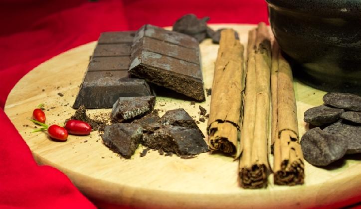 https://www.ragusanews.com//immagini_articoli/23-01-2017/nasce-comitato-cioccolatieri-modica-420.jpg