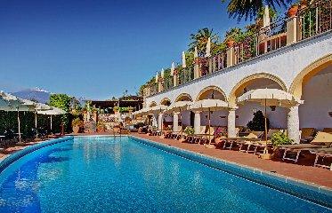 http://www.ragusanews.com//immagini_articoli/23-01-2018/hotel-domenico-taormina-sara-aumento-volumetrico-240.jpg
