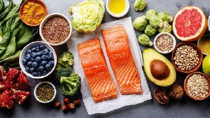 https://www.ragusanews.com//immagini_articoli/23-01-2020/la-dieta-nordica-per-controllare-il-colesterolo-e-perdere-peso-240.jpg