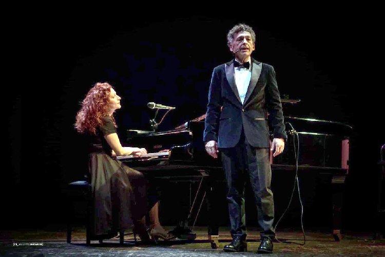 https://www.ragusanews.com//immagini_articoli/23-01-2020/sabato-al-teatro-naselli-di-comiso-ninni-bruschetta-500.jpg