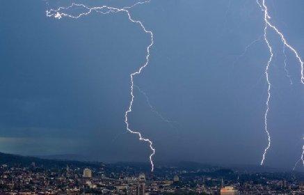 https://www.ragusanews.com//immagini_articoli/23-01-2021/rovesci-temporali-allerta-gialla-sicilia-280.jpg
