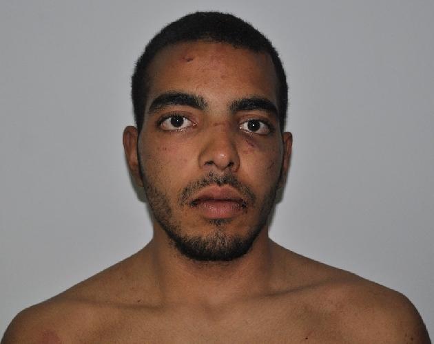 https://www.ragusanews.com//immagini_articoli/23-02-2014/resta-in-carcere-il-tunisino-entrato-col-coltello-nella-stanza-del-sindaco-500.jpg