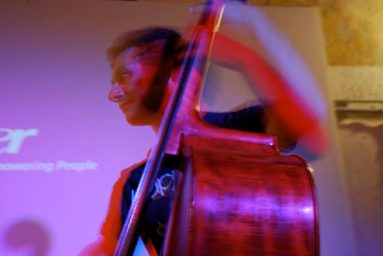 http://www.ragusanews.com//immagini_articoli/23-02-2015/concerto-jazz-a-modica-500.jpg