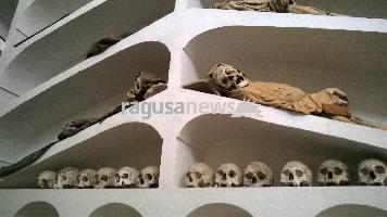 http://www.ragusanews.com//immagini_articoli/23-02-2017/mummie-rinascimentali-comiso-200.jpg