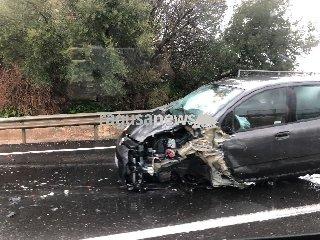 https://www.ragusanews.com//immagini_articoli/23-02-2018/grave-incidente-modica-ragusa-240.jpg